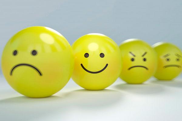 El humor como estrategia de intervención psicosocial en las organizaciones: ¿Es bueno reír en el trabajo?