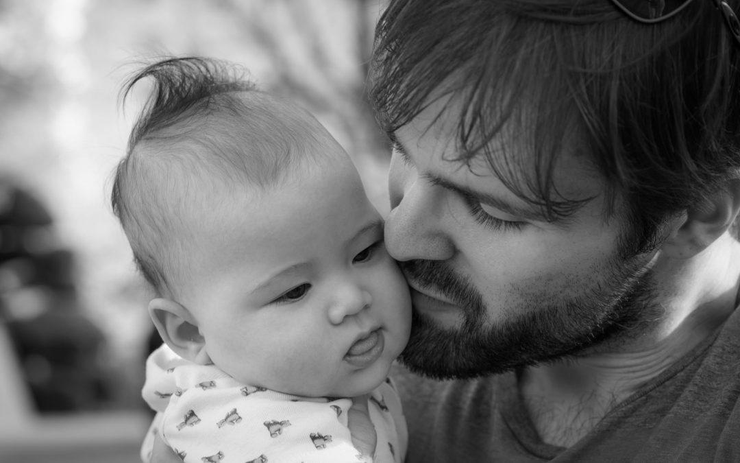 8 semanas de permiso por hijo/a para los padres