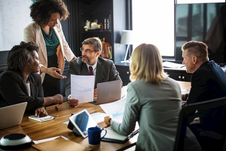 El acoso laboral: el lado oscuro de las relaciones en el trabajo: 4
