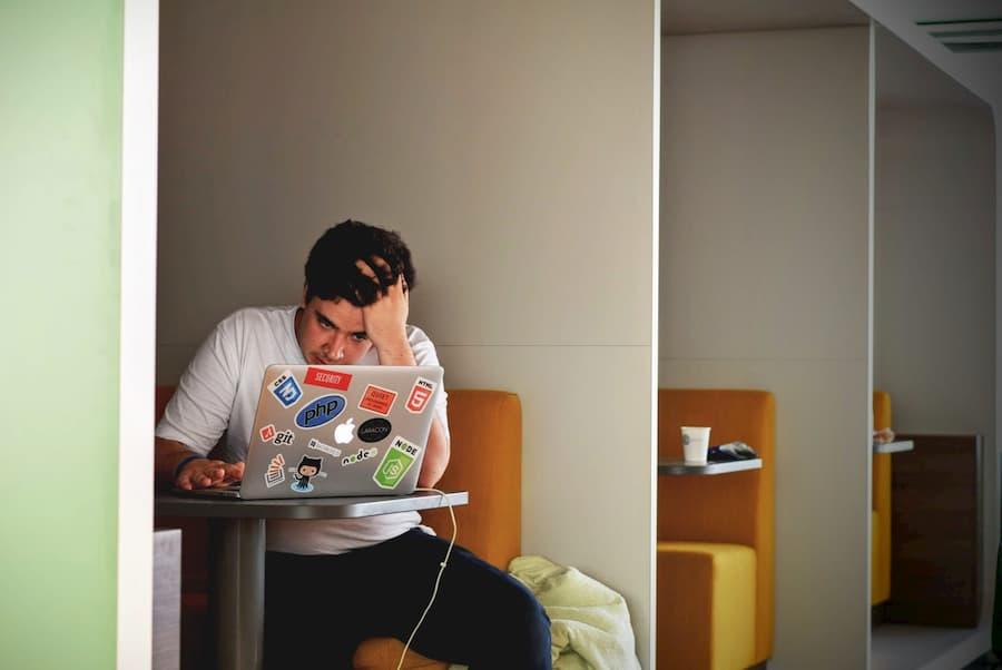 Los riesgos psicosociales y trabajo a distancia en la era del COVID-19